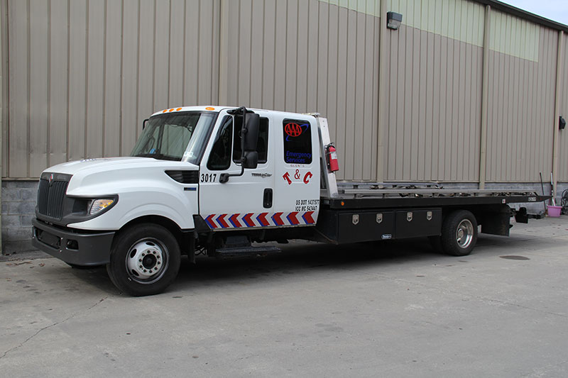 Glen Towing Roadside Assistance Flat Bed Tow Truck